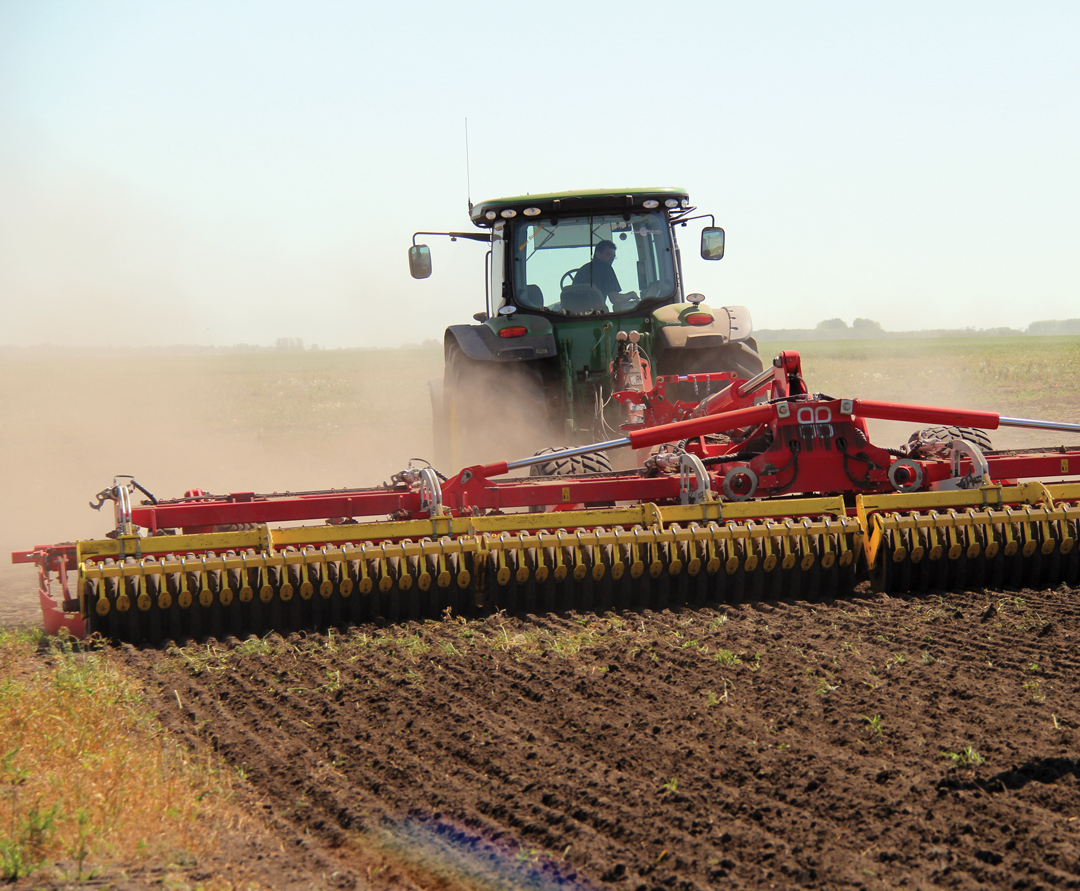 Cultivator for continuous tillage for crops