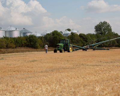 FARMERS TAKE PART IN RESPONSIBLE GRAIN CONSULTATION